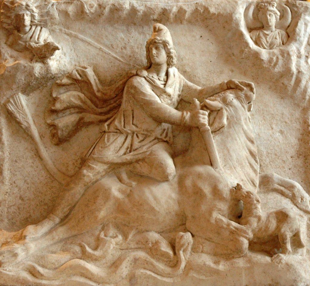 Митра бил покровител на войниците, II в. Пловдивски Археологически музей Митра бил покровител на войниците, II в. Пловдивски Археологически музей
