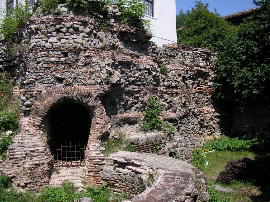 Южна кръгла кула в крепостната стена, Трихълмието, III в.