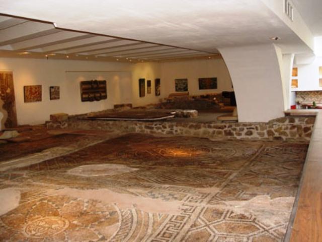 Останки от римска улица, Подлез Археологически
