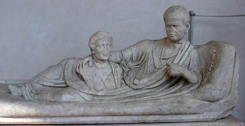 Надгробен паметник със сцена - Погребални практики от древен РИм