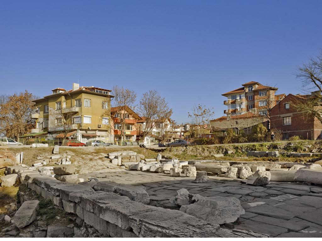 Улица и Източна порта на римски Пловдив